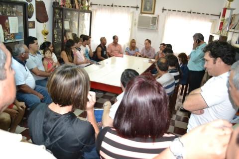 Entidades deportivas villangelenses expusieron una situaci�n preocupante a A�da Ayala. A�da Ayala reunida con dirigentes deportivos en el club Progresista de Villa �ngela.