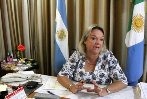 Azula confirm� que ser� candidata gobernadora, y dijo contar�a con el apoyo de Rozas. Alicia Azula, intendenta de Barranqueras.