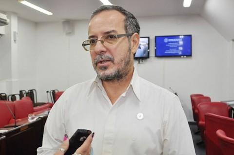 """Mart�nez: """"Capitanich garantiz�  impunidad a Kicillof y dem�s funcionarios de la Presidenta"""". Carlos Mart�nez, diputado provincial de Libres del Sur."""