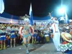 A todo color y ritmo veraniego, arrancan los carnavales este viernes en diferentes localidades.