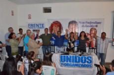 Los candidatos y los referentes locales presentes en la inauguraci�n de la nueva sede.