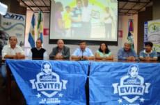"""Autoridades presentes en el lanzamiento de los """"Juegos Evita""""."""