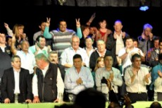 Domingo Peppo reunido con referentes de la provincia.
