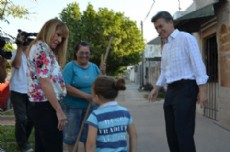 A�da y Macri recorrieron barrios de la capital chaque�a.