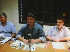 Marcos Verbeek, precandidato a intendente de S�enz Pe�a en conferencia de prensa.