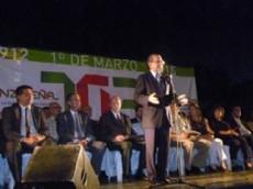 El intendente Cipolini en el acto por el aniversario 103 de la ciudad de S�enz Pe�a.