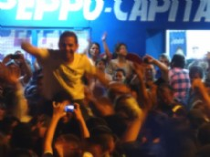 La militancia Justicialista festej� el triunfo el domingo por la noche.