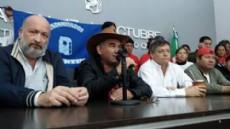 El Movimiento Evita junto al candidato a gobernador por la provincia, Domingo Peppo.