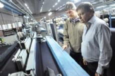 Peppo interiorizado en la situaci�n de la industria algodonera.