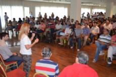 A�da transmiti� su plataforma de gobierno a los gremialistas presentes.