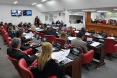 Ante la presi�n del PJ el radicalismo analizar� el proyecto impulsado por el Ejecutivo municipal.