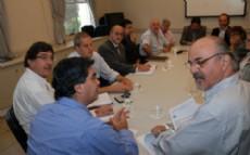 Capitanich reunido con docentes de la provincia para interiorizarse del tema salarial. (Imagen de archivo)